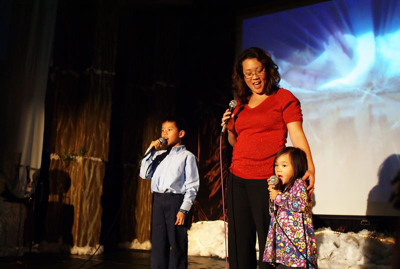 Irene and Mackenzie singing at the 2009 VCPC Christmas Production